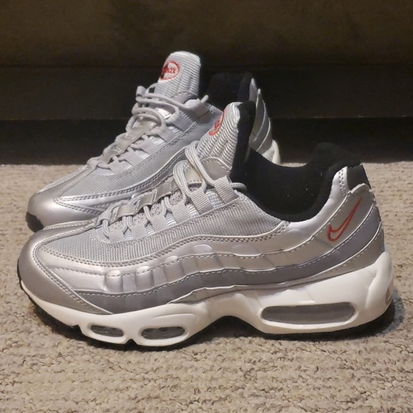 separation shoes 4e789 58458 Women's Nike Air Max 95
